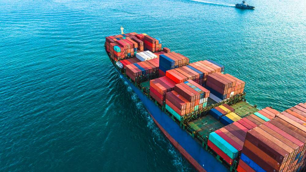 Cargo ship carrying shipping containers